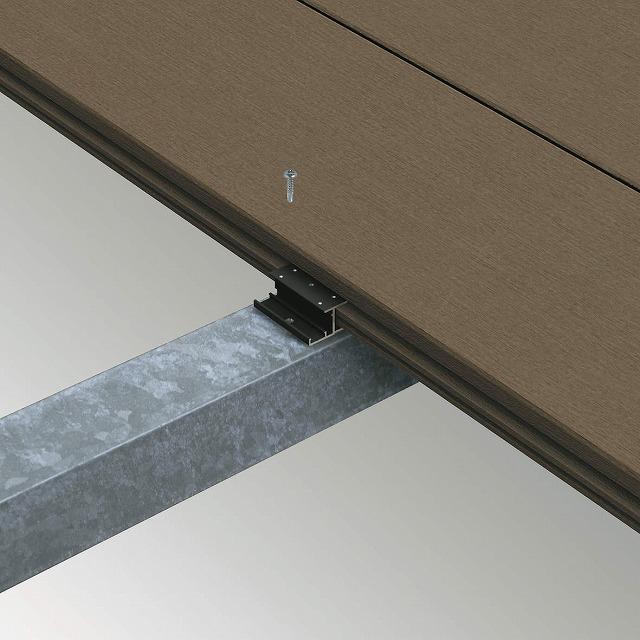 ↑リウッドデッキ 200 張替え(鉄骨納まり)用デッキ材押え金具 B7 :XGXX0441