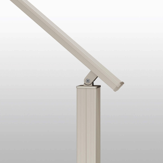 ↑ルシアス デッキフェンス ステップ補助用フェンス 柱連結部 説明用_部分_XGXX0502