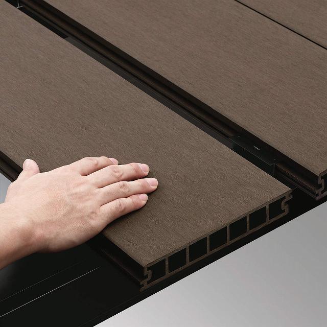 ↑リウッドデッキ 200 デッキ材固定方法 スライド FF リウッドデッキ 200 スライド固定方式 動作説明:XGXX0402