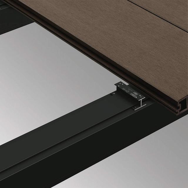 ↑リウッドデッキ 200 デッキ材固定方法 B7 着脱式デッキ材押え金具:XGXX0401