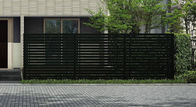 ↑ルシアス スクリーンフェンス S03型 横板格子 T200 B7_6000_XFSS0205B7