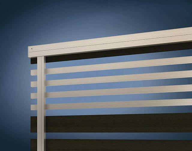 ↑ルシアス フェンス H04型 横板格子細横格子〈家屋側 H2 W6_部分_XFXX0658W6