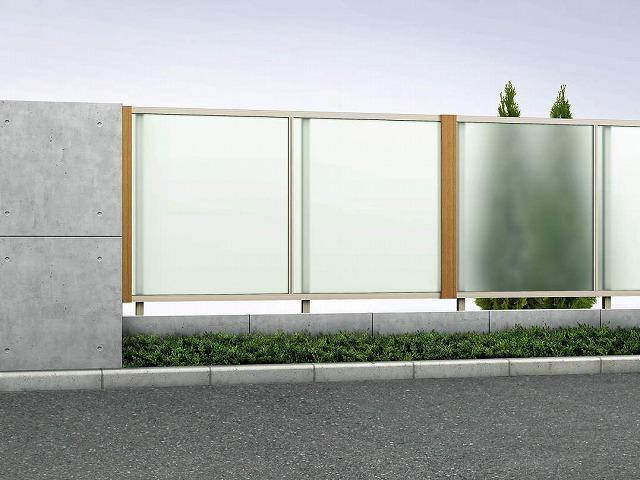 ↑ルシアス フェンス J01型 ポリカパネル T120 H2(自由柱施工 オプション:テクスチャーアタッチメント(W7付き_商品単体外観_XFW70459