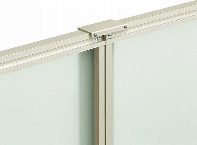 ↑ルシアス フェンス J01型 オプション:テクスチャーアタッチメント〈家屋側 ミスティマット H2 W7_部分_XFXX0642