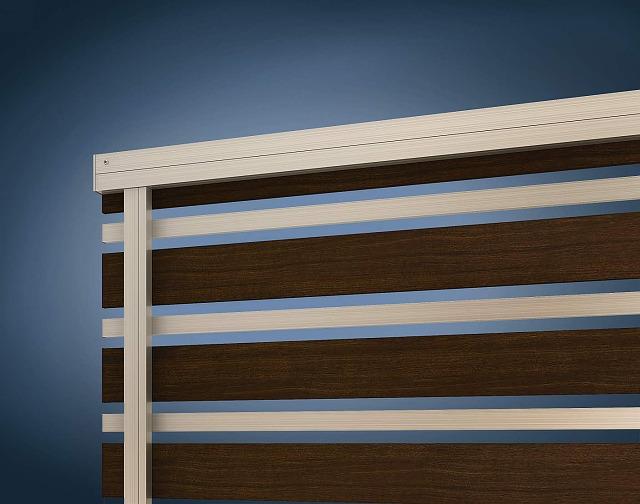 ↑ルシアス フェンス H03型 横板格子細横格子〈家屋側 H2 Z9_部分_XFXX0656Z9