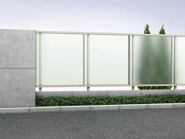 ↑ルシアス フェンス J01型 ポリカパネル T120 H2(自由柱施工_商品単体外観_XFH20456