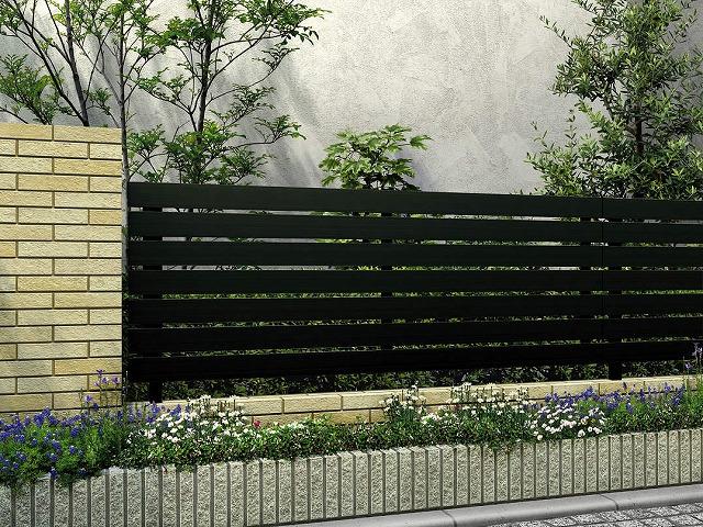 ↑ルシアス フェンス H02型 横板格子 T80 B7_商品単体外観_XFB70449