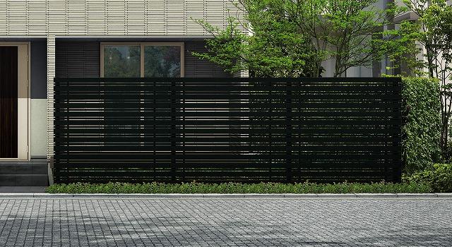↑ルシアス スクリーンフェンス S05型 横板格子細横格子 T200 B7_6000_XFSS0208B7