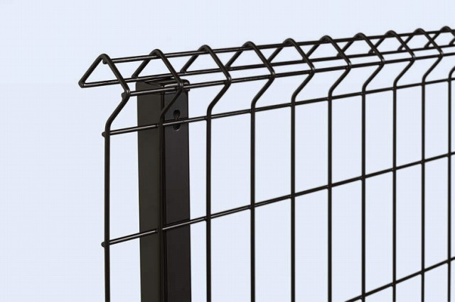 ↑イーネット フェンス1F1FK型〈自由柱タイプ スチール自由柱(家屋側 OY_部分_XFXX0487