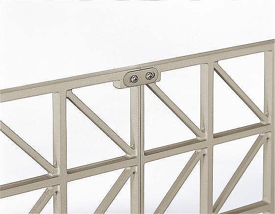 ↑シャローネ フェンス T60スライド自由柱施工(接続金具家屋側_部分_XFXX0671H2