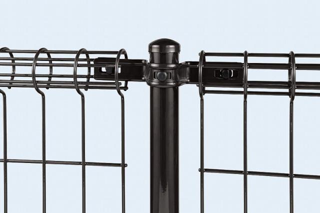 ↑イーネット フェンス2M型〈間仕切柱タイプ 中柱用部品(スチール 上部 TM_部分_XFXX0550