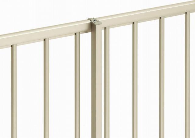 ↑シンプレオ フェンス 自由柱施工 自由柱〈家屋側 H2__XFXX0742