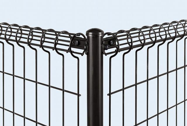 ↑イーネット フェンス2M型〈間仕切柱タイプ コーナー納まり 角柱用部品(スチール 上部 TM_部分_XFXX0546
