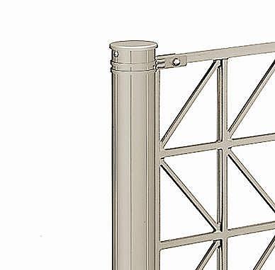 ↑シャローネ フェンス T100間仕切柱施工:切詰端部部品(使用時_部分_XFXX0684H2