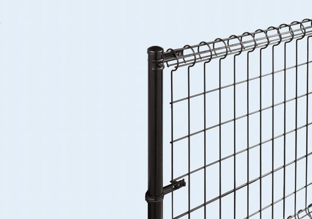 ↑イーネット フェンス2M型〈間仕切柱タイプ 端柱用部品(スチール 上部 TM_部分_XFXX0543