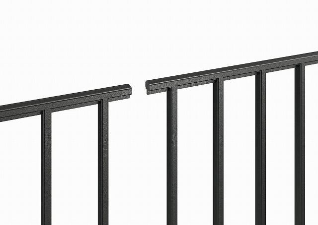 ↑シャローネ フェンス T60スライド自由柱施工:端部カバー(切断面_部分_XFXX0667OA