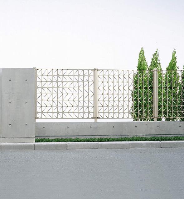 ↑シャローネ フェンス SM02型 間仕切柱 T100_商品単体外観_XFH20485