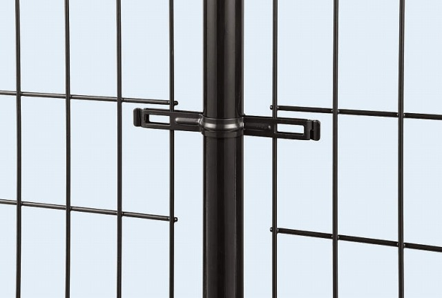 ↑イーネット フェンス2M型〈間仕切柱タイプ 中柱用部品(スチール 中間部 ビスで固定 TM_部分_XFXX0557