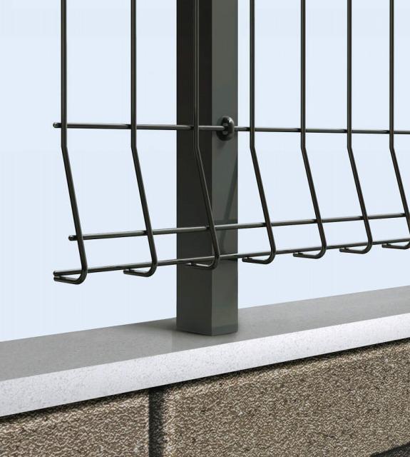 ↑イーネット フェンス2F2FK型〈自由柱タイプ 本体デザイン 〈下部三角形デザイン TM_部分_XFXX0608