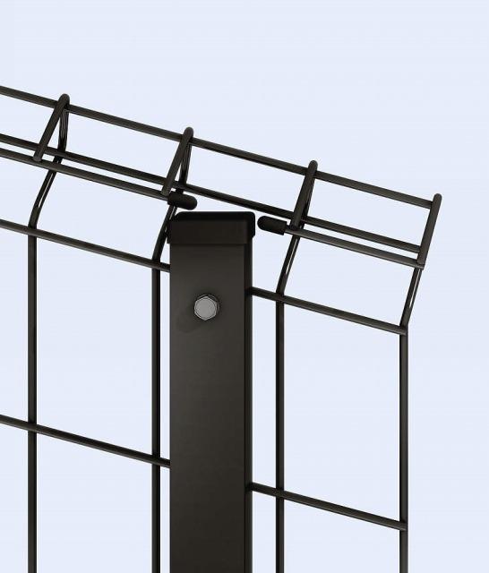 ↑イーネット フェンス1F1FK型〈自由柱タイプ 傾斜地用 傾斜地用とスチール自由柱上部納まり OY_部分_XFXX0494